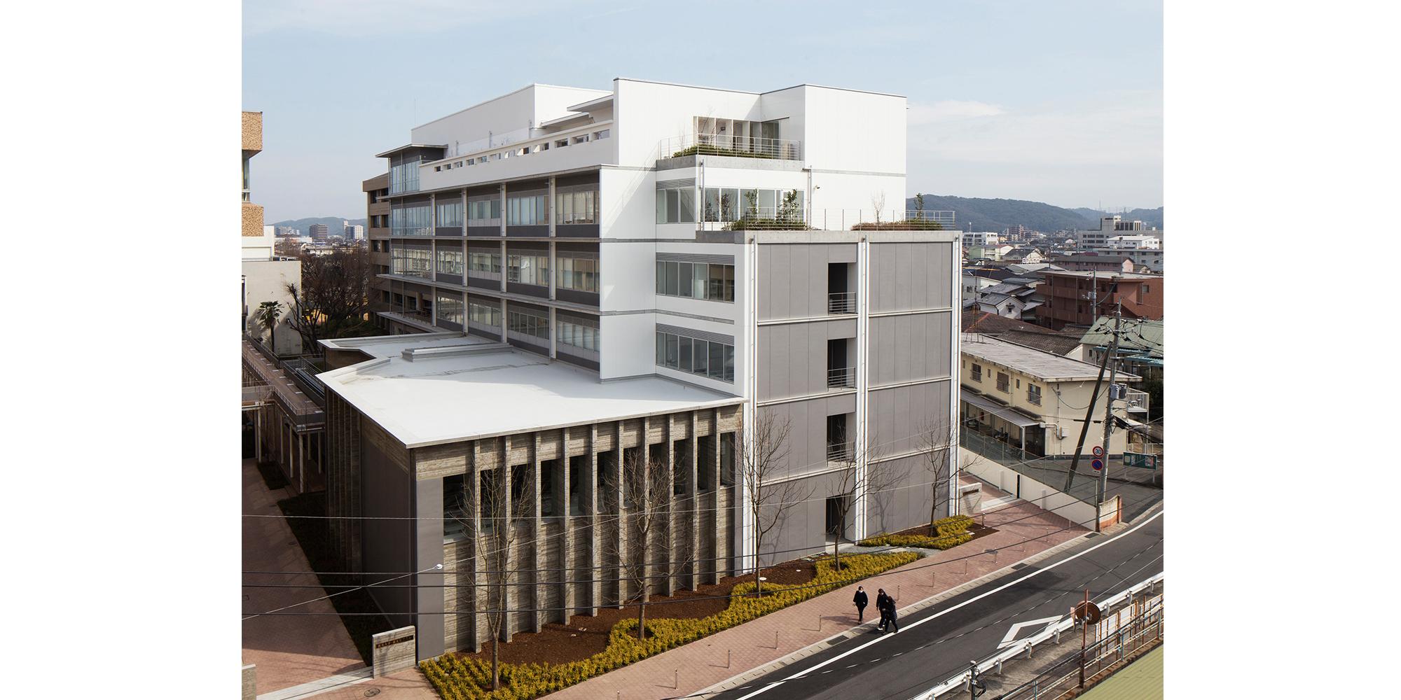 佐藤建築事務所「就実大学・就実短期大学 110周年記念校舎」