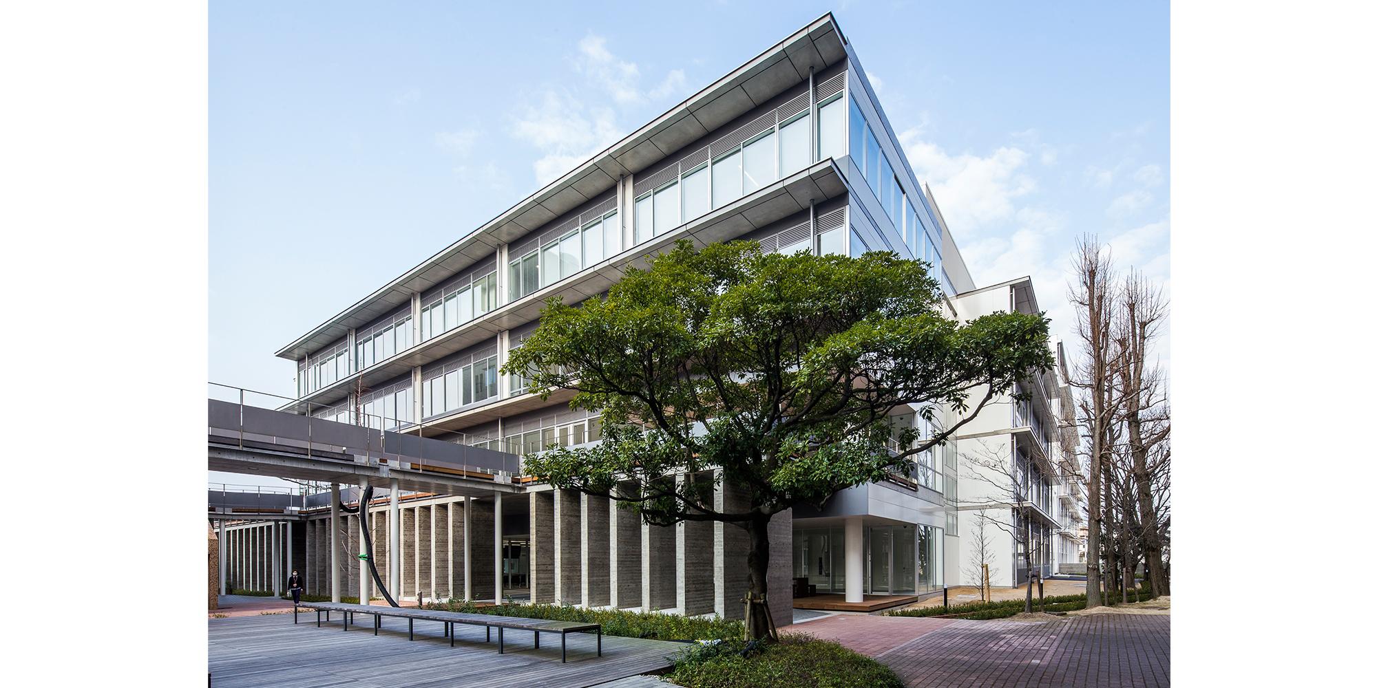 佐藤建築事務所「就実大学・就実短期大学 新B館」